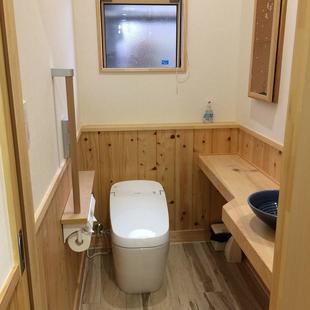 使い勝手を考えて、トイレを増設しました。