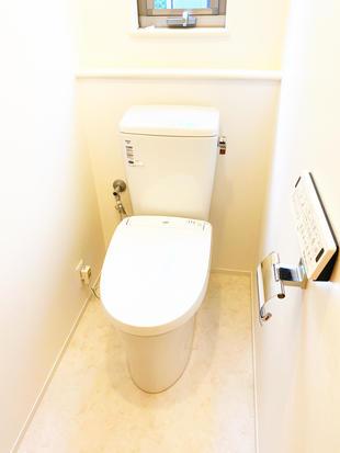 真っ白な空間で綺麗なトイレに!