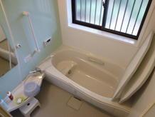 介護保険を利用して入浴をしやすく。(浴室)(2011.08.03)