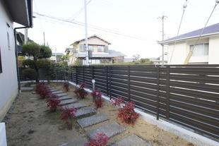 生垣をリクシルのアルミ製フェンスにしてお手入れ簡単♪