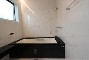 [鳥取県 米子市]汚れの付きにくいパネルを採用!浴室改装工事