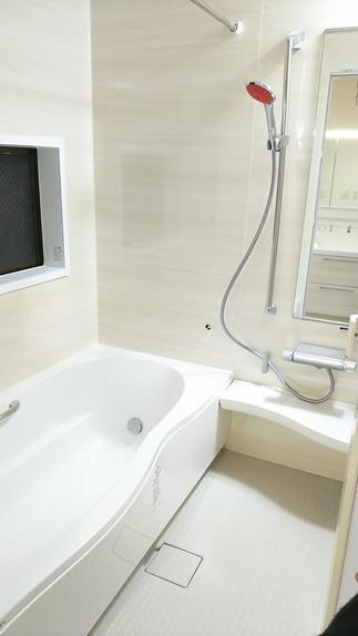 あたたかい機能充実の快適バスルームに!