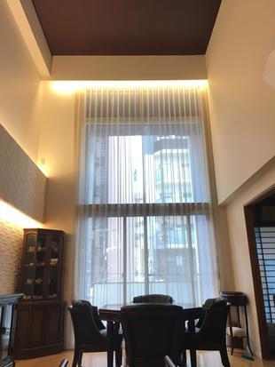 光と素材感をプラスして、温かみのあるラグジュアリーな空間を演出