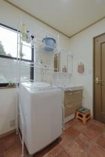 洗面脱衣室兼ランドリールーム