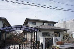 カバー工法による金属屋根葺き替え工事