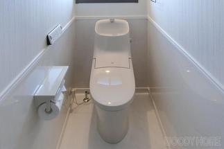 2Fのトイレはシンプルに