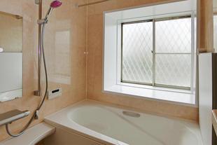 暖かく過ごしやすいお風呂への浴室リフォーム