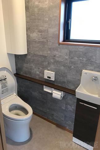 収納沢山で広く使いやすいトイレ