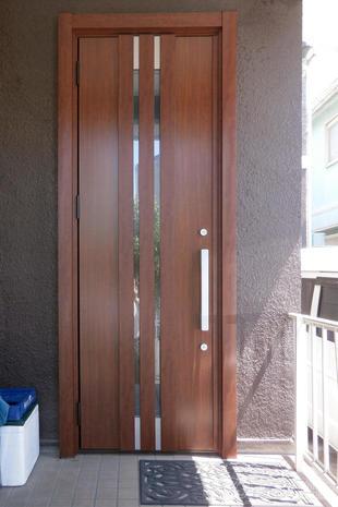 市原市 半日で終わるカバー工法での玄関扉交換リフォーム