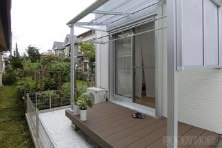 ウッドデッキとテラス屋根の設置