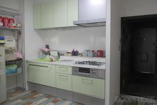 習志野市 キッチンと内装のリフォームで明るく爽やかなLDK空間
