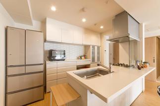 開放的な対面キッチンにリフォーム