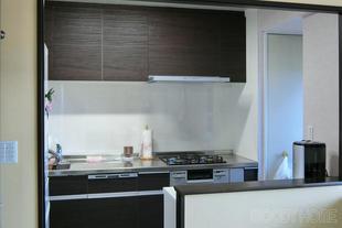 鎌ヶ谷市 開放的なキッチンとサニタリーのフルリフォーム