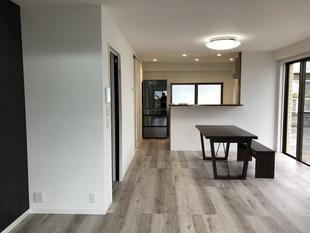 家族に合わせて間取りを変えて 広がるLDKとシューズクローク・パントリーのあるマンションリフォーム