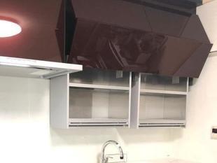 オートダウンウォールで機能美キッチン