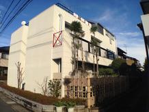 デザイン住宅の外壁の補修・塗り替えをしました。