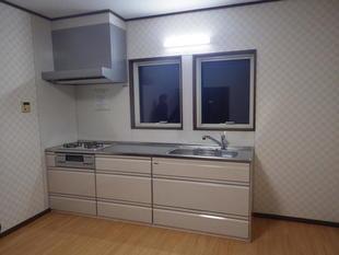 キッチンの交換と部屋の模様替えリフォーム工事