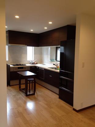 キッチンを広く開放的に&トイレの段差解消で住まいやすいリフォーム