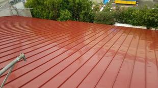 カバー工法で屋根の断熱性・防音性がアップ!