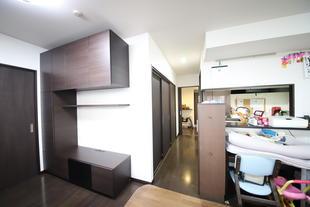 生活雑貨が溢れるマンションに、収納スペースと部屋を1つ追加しました。