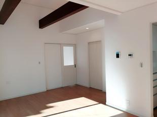 越谷市 建替え 『やわらかな陽射しがさしこむ家』