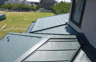 屋根の全面カバー工法