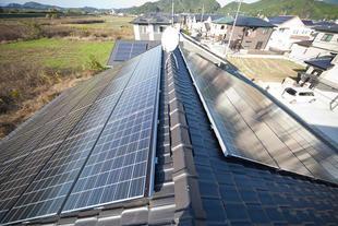 将来への安心と期待が膨らむ 大容量の太陽光発電を設置