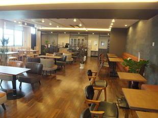 社員食堂がカフェ風に!