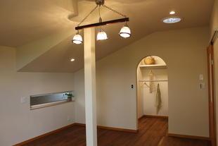 自然素材がここちよい家 ~玄関・バス・トイレ~