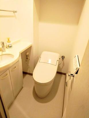 プレアスLSでお手入れしやすい爽やかなトイレに