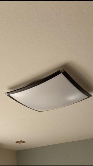 宇佐市天井クロス、照明取替工事 スタイリッシュな天井へ