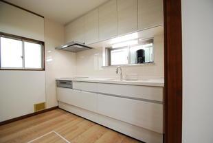 収納スッキリのキッチンリフォーム