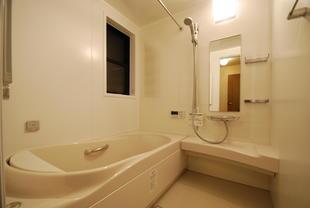 快適空間に大変身! バスルーム&洗面化粧台のリフォーム