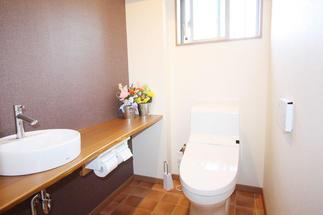 将来を考え、介護スペースを確保したトイレ
