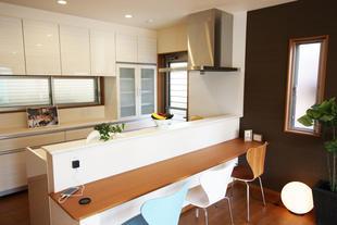 店舗併用住宅を暮らしやすい2世帯住宅に