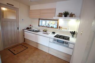 キッチン廻りも機能的に使いやすく・・・