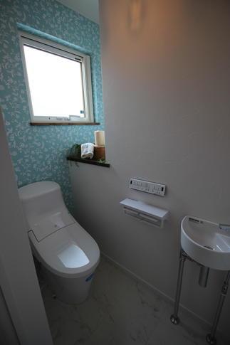 可愛らしい明るいトイレを造りました