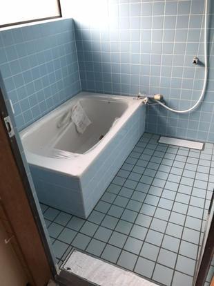 高齢者に配慮、浴室をバリアフリーに改修