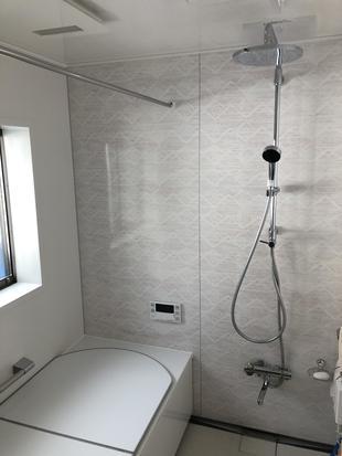 ひろびろ浴室への改造と玄関引戸の交換