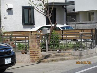 ブロックの外構をヴィンテージ色のフェンスに変身!!『前橋市』