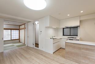 リビング・ダイニング・キッチンが明るく広い空間に生まれ変わりました