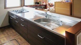 すっきりI型システムキッチンで空間をリフレッシュ!
