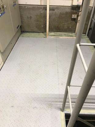 店舗機械室床改修工事