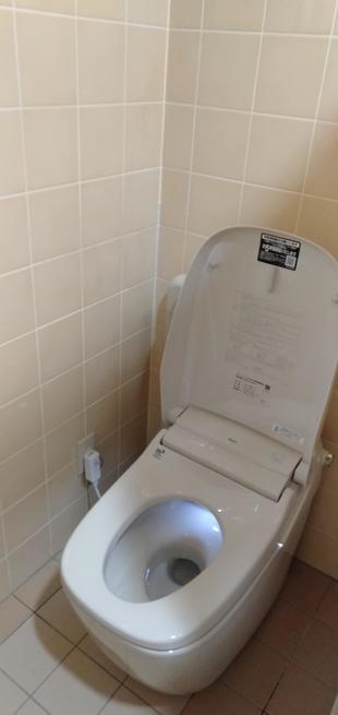 秋田県由利本荘市トイレを和式から洋式に(サティスG)