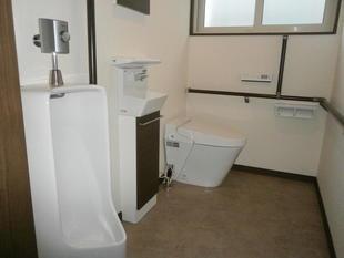 秋田県由利本荘市トイレをバリアフリーで使いやすく!(サティスS)