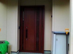 玄関ドアを断熱採風ドアにリニューアル