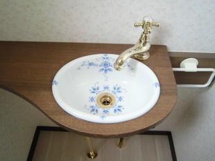 トイレ手洗いカウンター取付