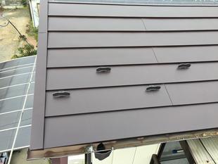 瓦屋根から板金屋根に変えました