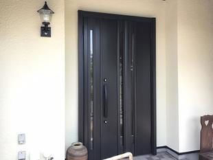冬でも暖かく過ごすために!玄関ドアリフォーム!