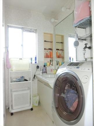 洗面化粧台 before